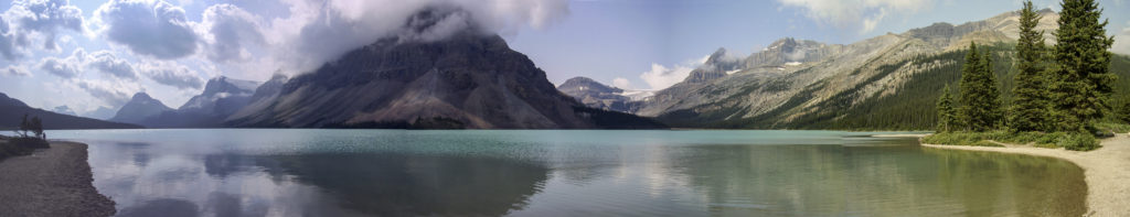 Bow Lake, along the Icefield Parkway, Rocky Mountains (Alberta)
