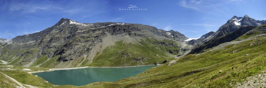 Lac de la Sassière and the Grande Sassière (3.751 m) - Tarentaise, Réserve naturelle de la Sassière